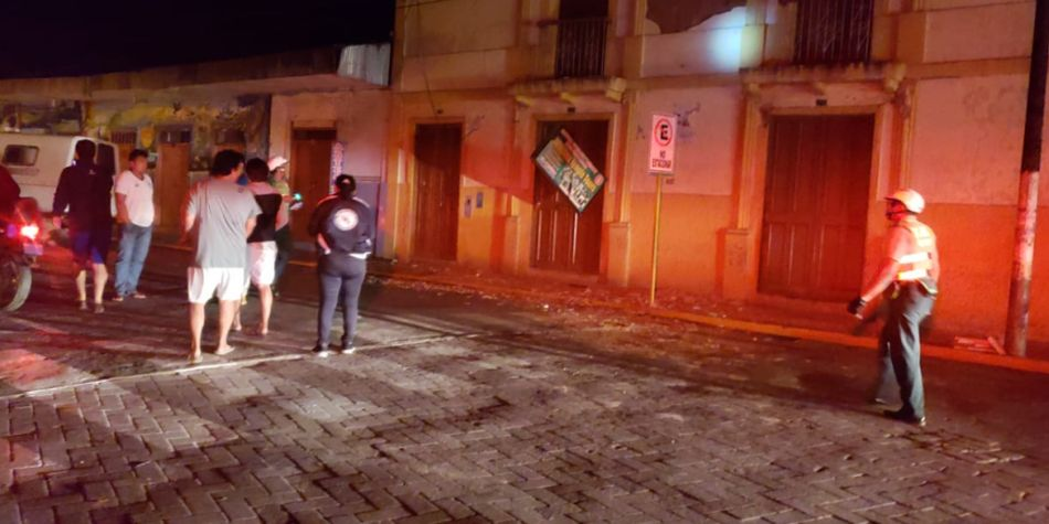 La gente salio alarmada de sus viviendas. (Foto: Mindef)