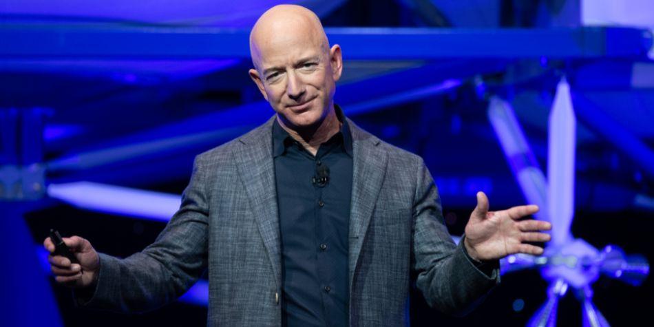 Jeff Bezos pide centrarse en cosas realistas y tratar de querer predecir el futuro. (Foto: AFP)