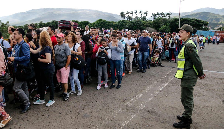 Varios venezolanos han cruzado la frontera con Colombia huyendo de la crisis que vive su país. (Foto: AFP)