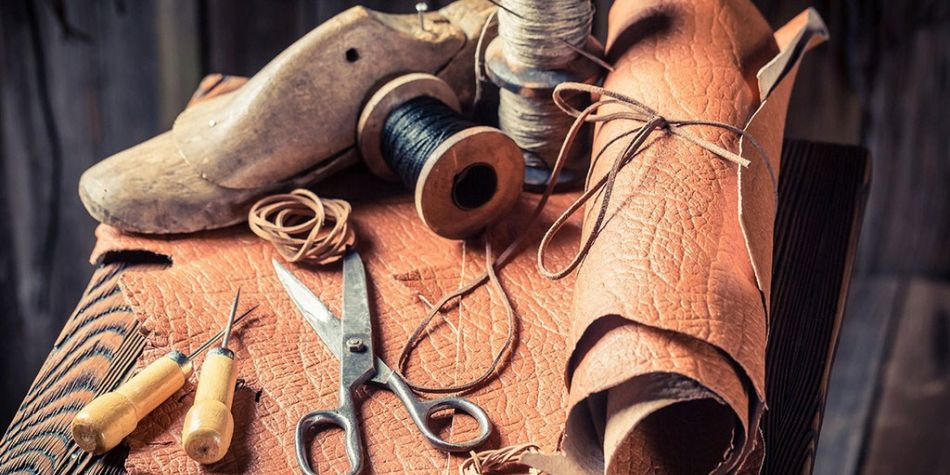 La correcta manipulación de los zapatos puede prolongar su vida útil, pero ningún par bueno puede prescindir de la reparación. (Foto: Getty Images)
