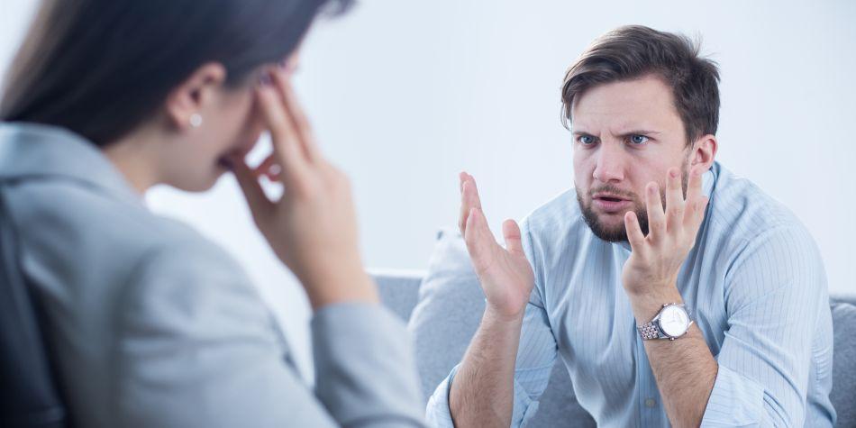 Cuidar tu relación con tus compañeros y tus superiores es tan importante como realizar todas tus labores diarias. (Foto: Shutterstock)