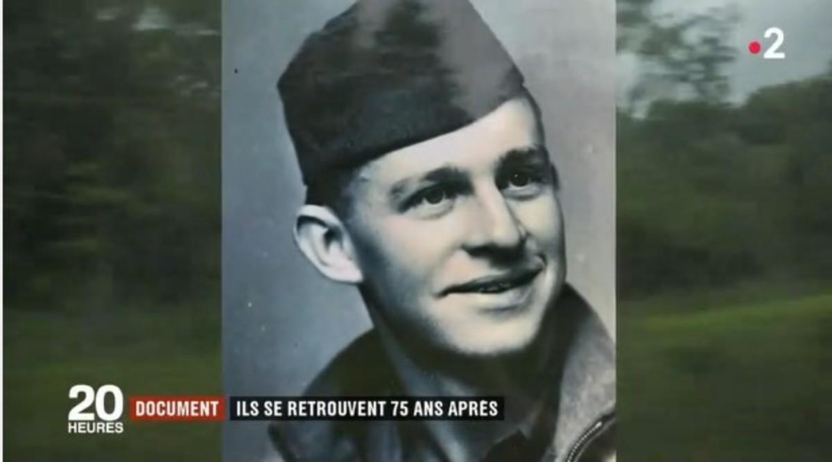 Kara Troy Robbins, el soldado estadounidense en su época en Francia. (France 2)