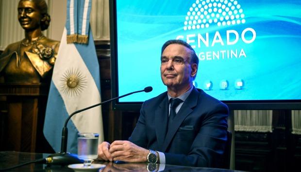 El senador argentino Miguel Angel Pichetto durante una conferencia de prensa después de que el presidente argentino Mauricio Macri lo eligiera para ser su candidato a la presidencia. (Foto: AFP)