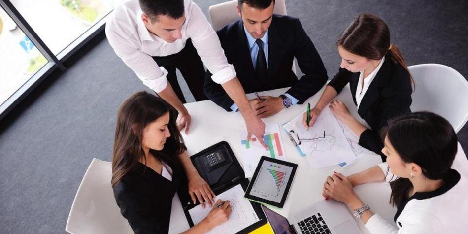 las mejores opciones de carrera para introvertidos y extrovertidos.(Foto: Shutterstock)