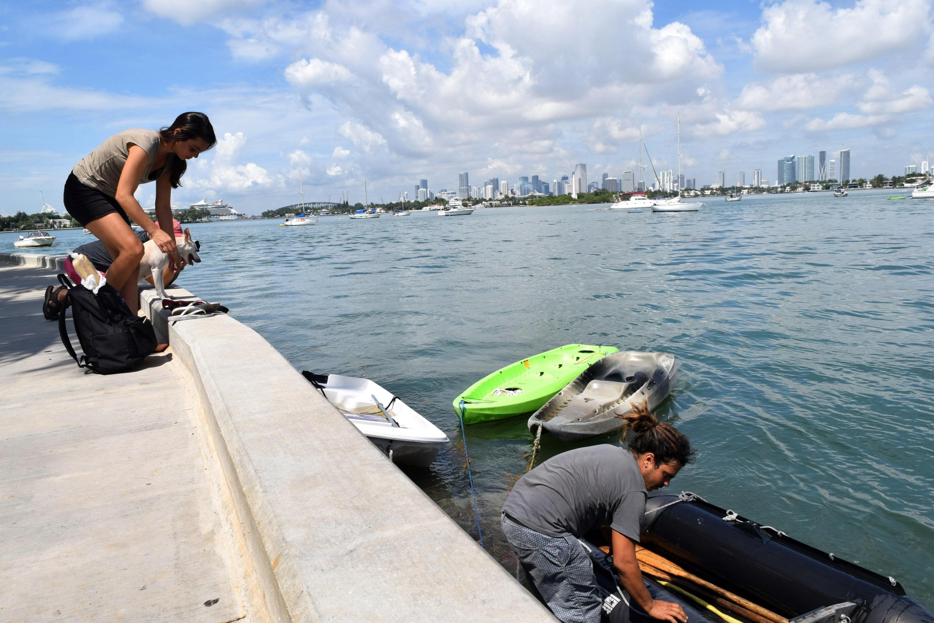 La reparación del barco, dice, le costó un sinfín de problemas. (EFE)
