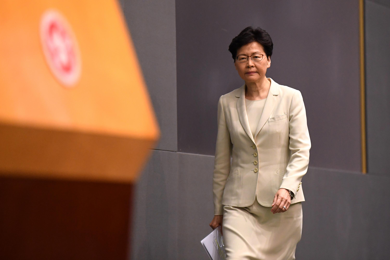 Imagen muestra a la jefa del gobierno de Hong Kong, Carrie Lam. (Foto: AFP)