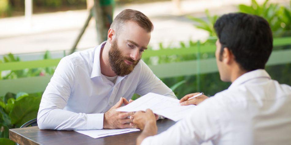 Durante una entrevista de trabajo, muchos postulantes tienen temor de enfrentarse a varias preguntas que le realizará el reclutador. (Foto: Freepik)