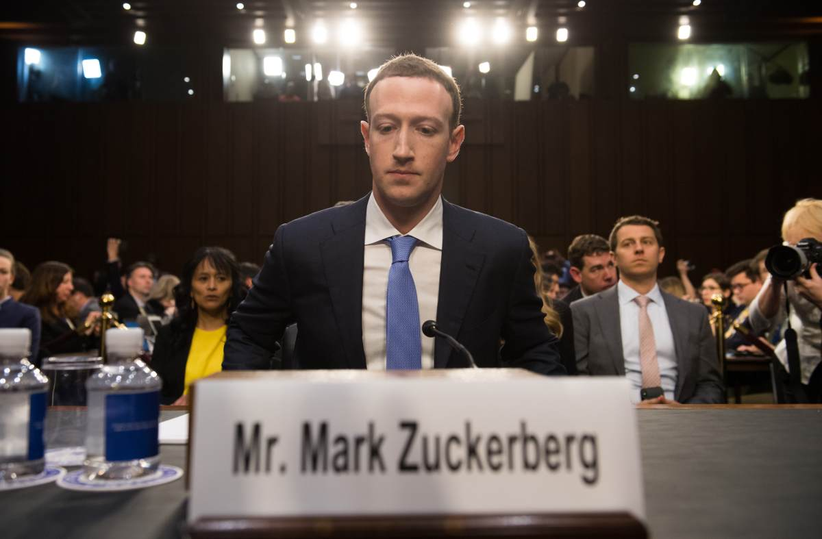 En abril de 2018, Mark Zuckerberg, CEO de Facebook, tuvo que asistir al Congreso de Estados Unidos para responder por el escándalo de Cambridge Analytica. (Foto: Facebook)