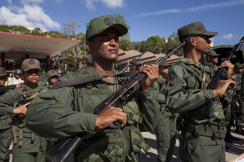 Miembros de las Fuerzas Armadas Nacionales Bolivarianas de Venezuela (FANB) . (EFE)