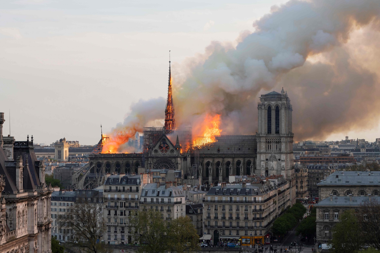 El incendio de la catedral el 15 de abril provocó gran conmoción en todo el mundo. (AFP)