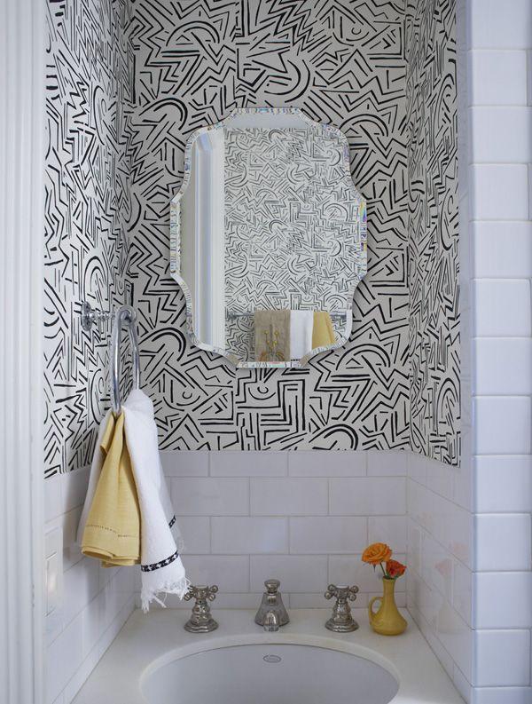 Los baños también caen seducidos ante el papel tapiz. Al igual que las cocinas, este debe ser de vinyl. (Foto: Toulouse Lautrec)