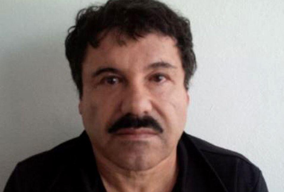 """Antes de escuchar su condena, Joaquín 'El Chapo' Guzmán dijo que su encarcelación fue una """"tortura física, emocional y mental"""". (Foto: AFP)"""