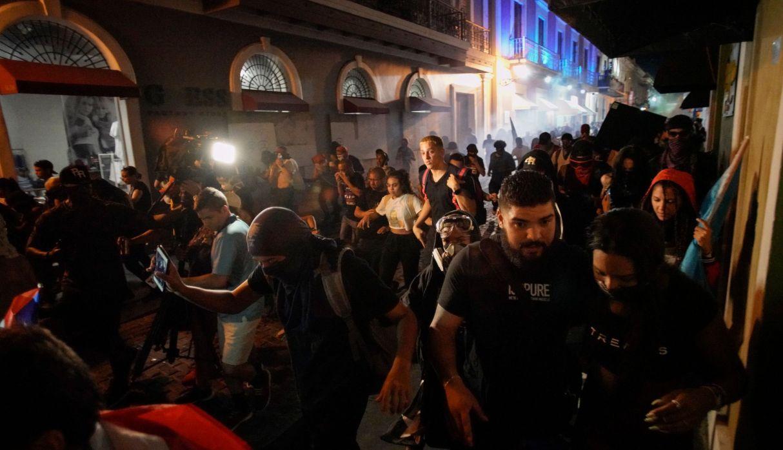 Distintos enfrentamientos se vivieron durante los últimos días en Puerto Rico. (Foto: AFP)