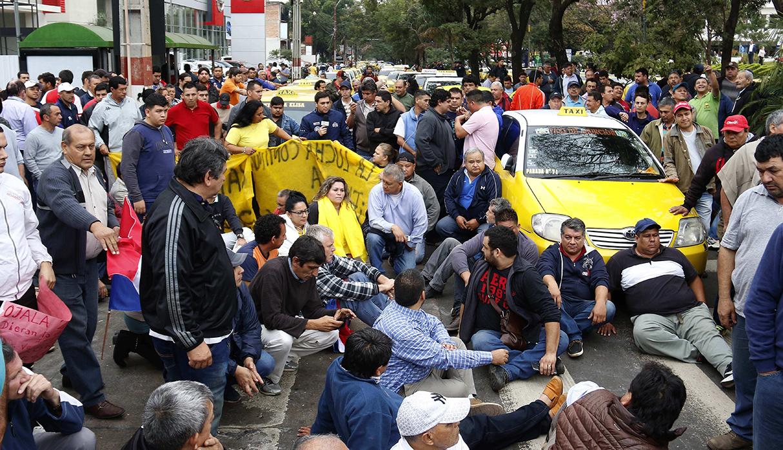 La protesta dejó algunos heridos por balas de goma, entre ellos cinco periodistas. (Foto: EFE)