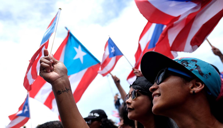 Las protestas contra Ricardo Rosselló dieron  resultado y el gobernador de Puerto Rico decidió presentar su carta de renuncia. (Foto: AFP)
