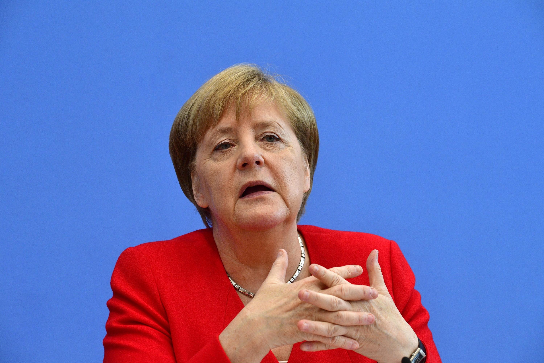 La canciller Angela Merkel conversará con Bolsonaro sobre los incendios en la Amazonía. (Foto: AFP)
