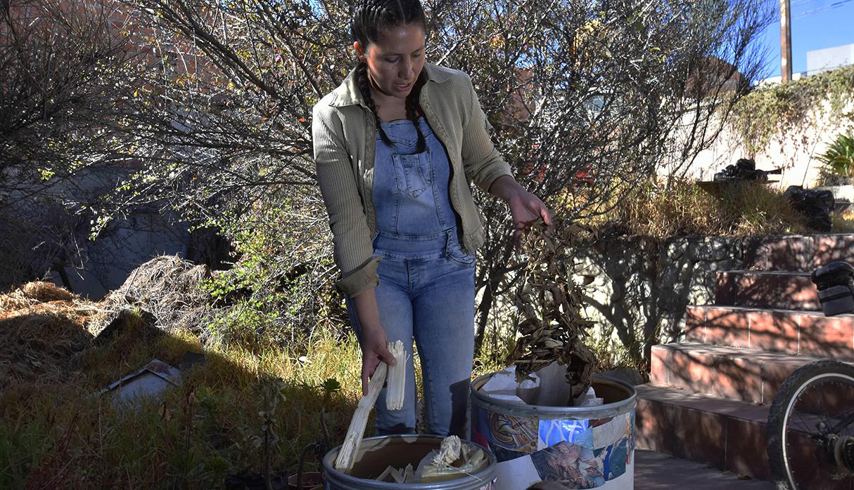 La ingeniera ambiental boliviana, Cecilia Tapia, quiere demostrar que es posible producir sin causar daños al medioambiente. (Foto: EFE)