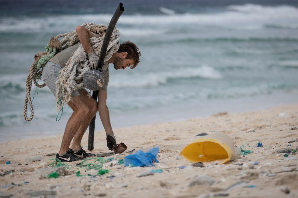 La masiva llegada de residuos plásticos por el mar ha dejado en el olvido la maravillosa imagen de la isla Henderson. (Foto: AFP)