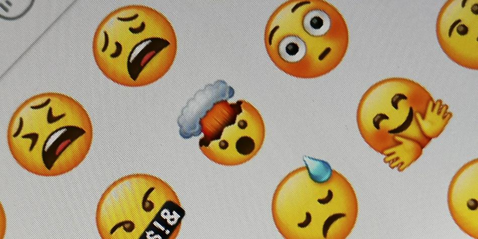 Conoce cómo dónde se encuentra este emoji que muchos no sabían qué es lo que significa en WhatsApp. (Foto: WhatsApp)