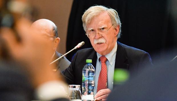 El asesor de Seguridad Nacional del presidente de los Estados Unidos, Donald Trump, John Bolton, advirtió a terceros que eviten hacer negocios con el Régimen venezolano de Nicolás Maduro. (Foto: AFP)