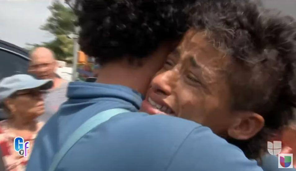 Un momento muy emotivo se vivió cuando Suzy Pérez se reencontró con su hijo. (Foto: Captura Univisión)