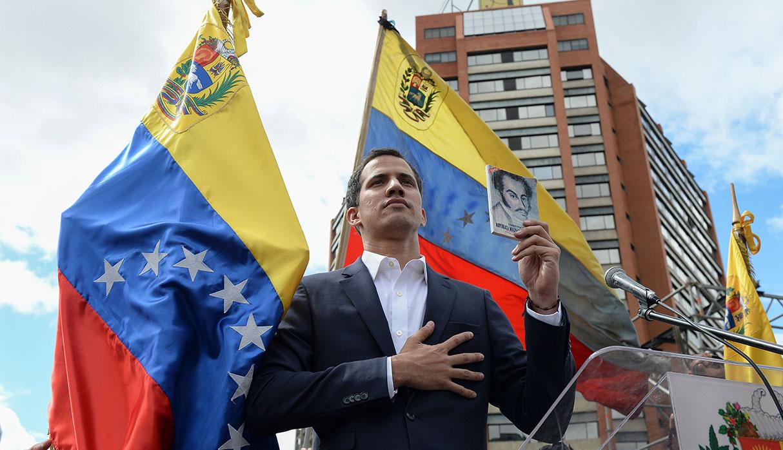 Juan Guaidó denunció el domingo que el gobierno de Nicolás Maduro busca cerrar el Parlamento venezolano. (Foto: AFP)