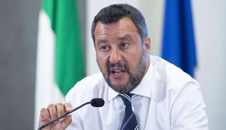 El titular del Interior, MatteoSalvini, volvió a dejar en claro su postura acerca del desembarco de los migrantes. (Foto: EFE)