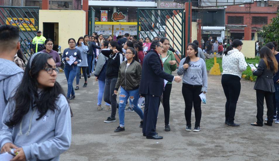 Cada año, miles de estudiantes postulan a la UNMSM. (Foto: Andina)