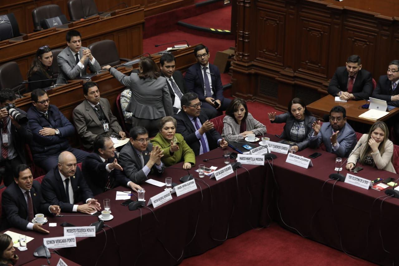 Los congresistas de Fuerza Popular reclamaron ante las palabras de Yonhy Lescano. (Fotos Anthony Niño De Guzmán / GEC)