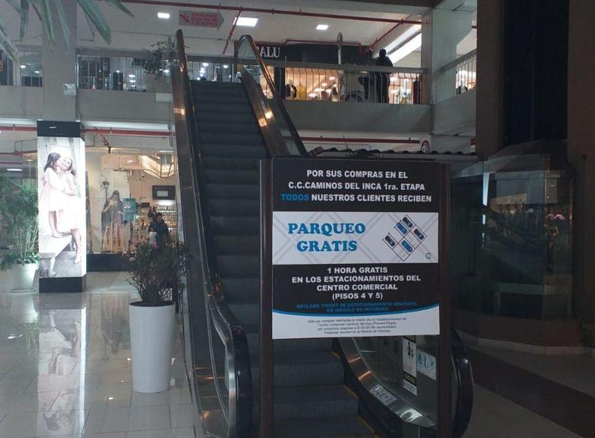 Inspectores de Surco realizaron actividades de fiscalización en el centro comercial Caminos del Inca. (Foto: Municipalidad de Surco)