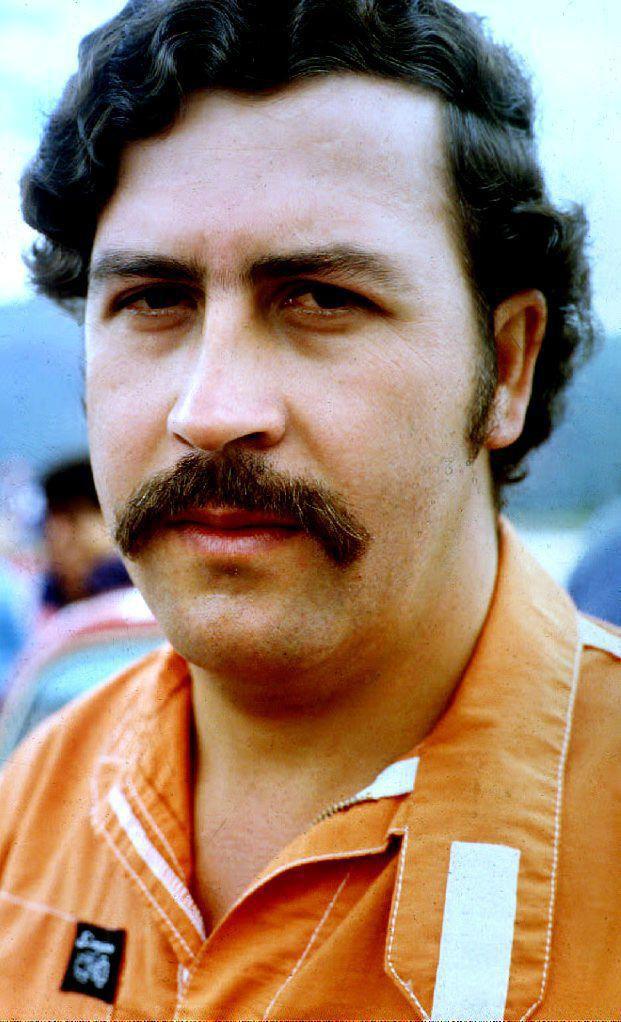 Pablo Escobar recibió la visita de René Higuita el 30 de junio de 1991, en la cárcel 'La Catedral', en Envigado. (Foto: AFP/archivo)
