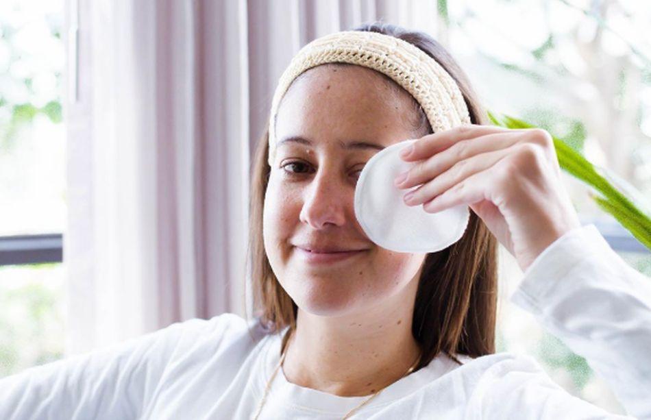 Los pads removedores de maquillaje no requieren ser botarlos después de cada uso, pues son lavables. (Foto: Instagram @aluvia.skincare)