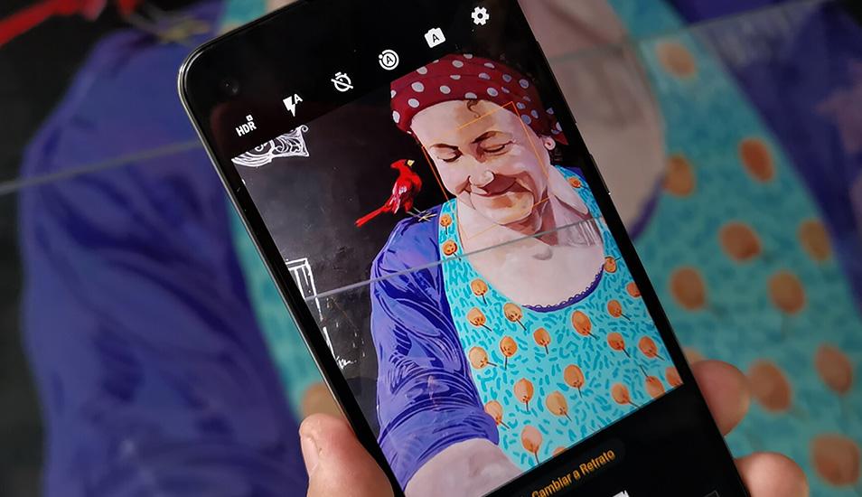 El dispositivo te permite grabar en vertical y apreciarlo en horizontal. (Foto: Motorola)