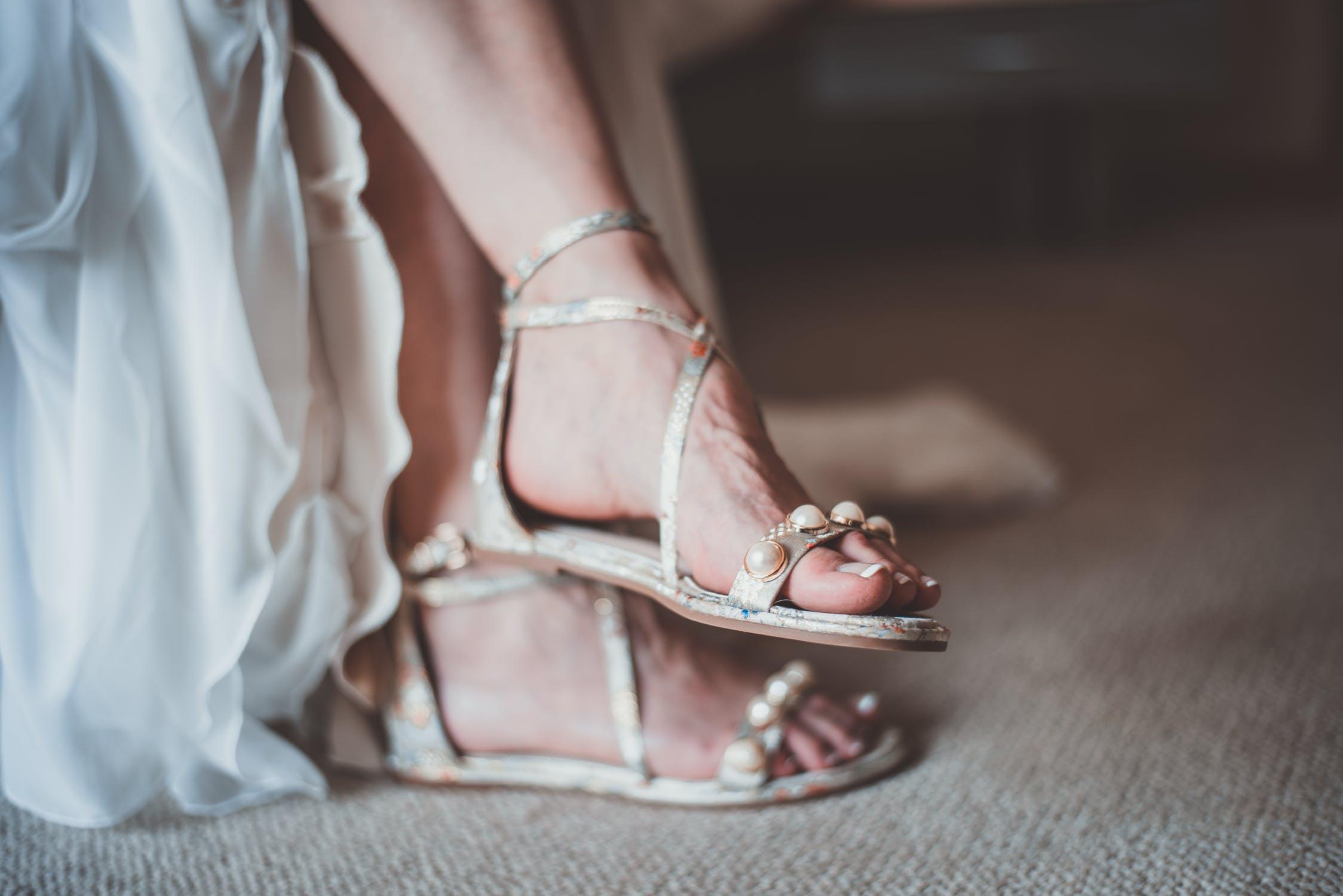 Con estos consejos lograrás lucir una mejor apariencia al usar zapatos abiertos.