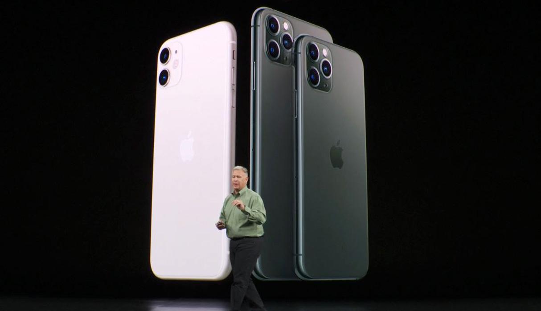 Los modelo del iPhone 11 Pro y el Pro Max a la derecha, en comparación con el modelo básico. (Foto: Captura)