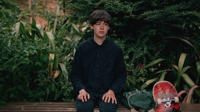 Alex Lawther interpreta a James, un chico que se define a sí mismo psicópata, tiene 17 años. (Foto: Netflix).