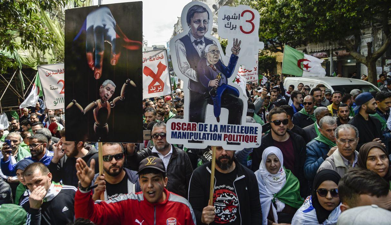 Las protestas en Argelia no se detienen y se iniciaron antes de que Abdelaziz Bouteflika renunciara a la presidencia de Argelia en abril. (Foto: AFP)