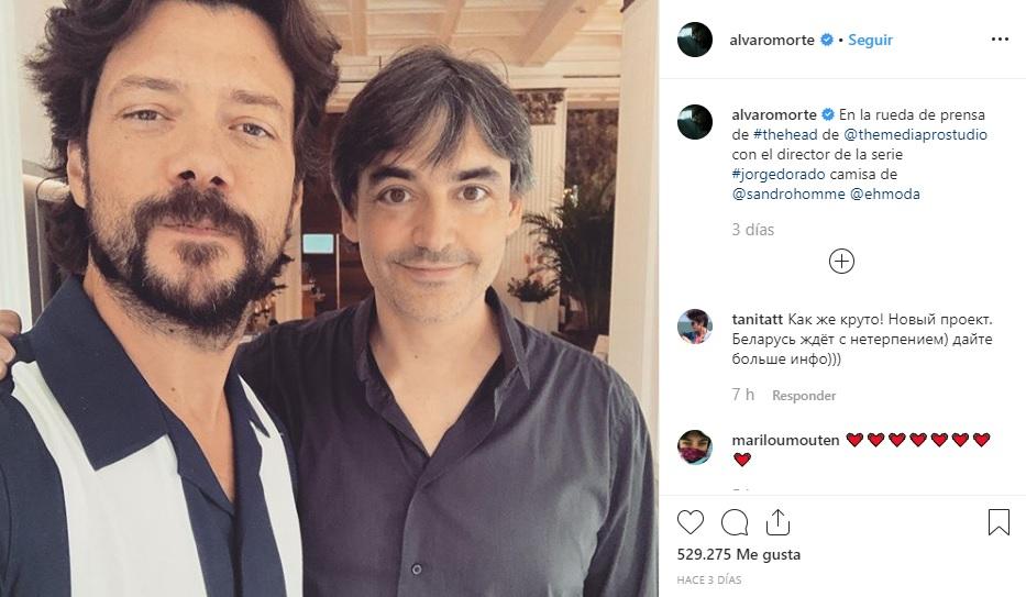 Álvaro Morte y Jorge Dorado, director de