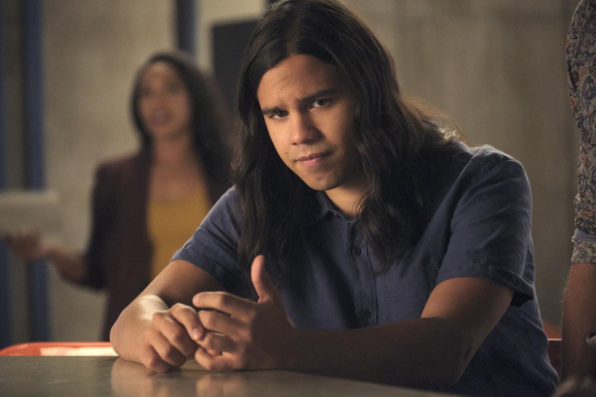 A pesar de los rumores, Cisco Ramón se mantendrá en el equipo, al menos así lo deja ver The CW (Foto: Jeff Weddell/ The CW)