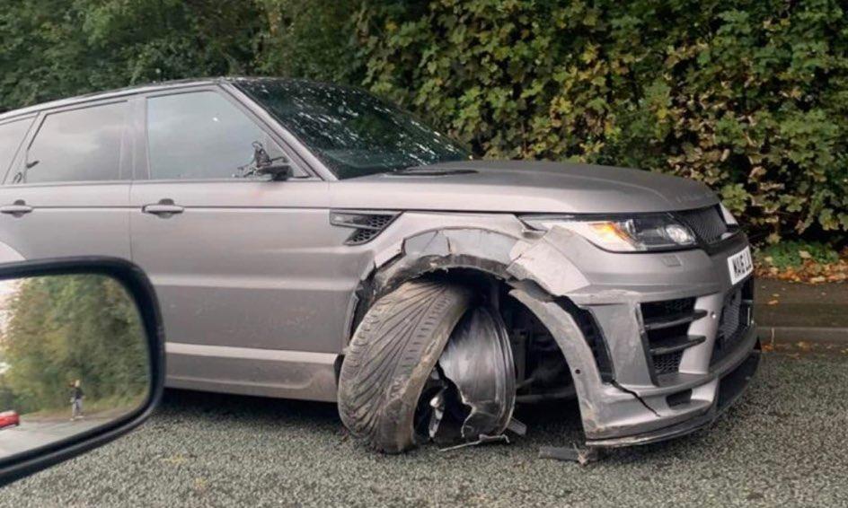 Asi quedó el auto de Sergio Agüero tras el accidente. (Foto: Twitter)