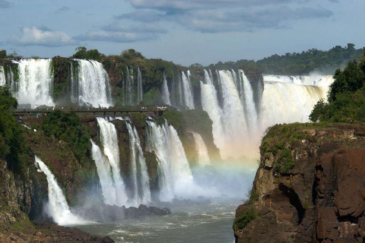 El Parque Nacional Iguazú es uno de los lugares turísticos favoritos de Argentina. (Foto: Wikipedia)