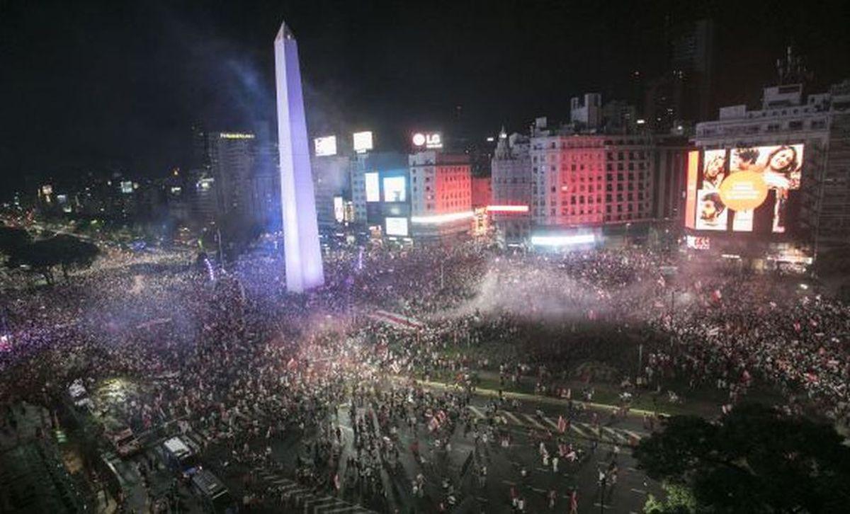 Feriados 2019 en Argentina: días libres y puentes para poder visitar el Obelisco de Buenos Aires, en la capital. (Foto: AFP)