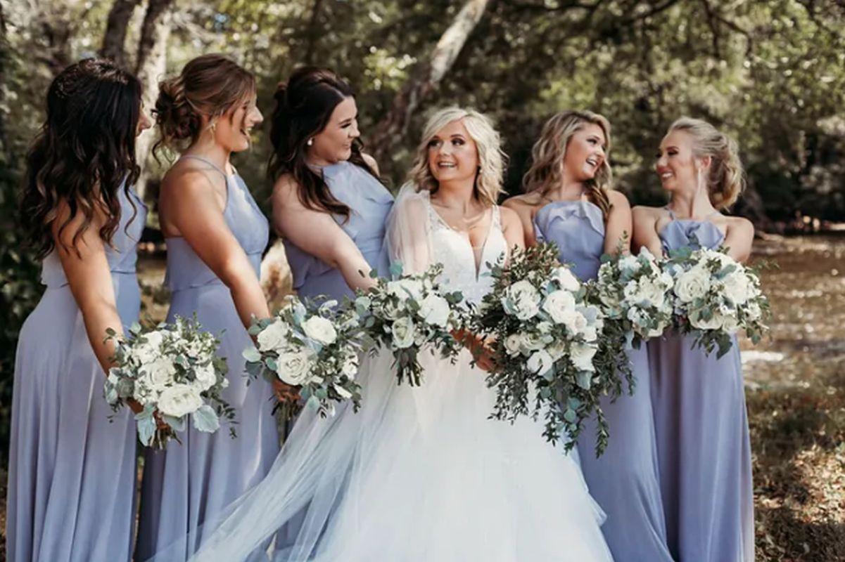 La pareja también tuvo las tradicionales damas de honor, pero las 'niñas de las flores' fueron las más aplaudidas. (Foto:  Natalie Caho Photography)