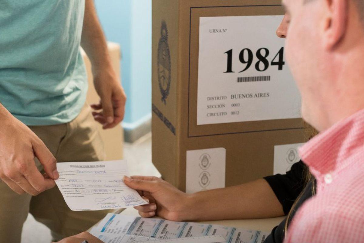 Acude a votar sino quieres pagar una multa. (Foto: Twitter DINE)