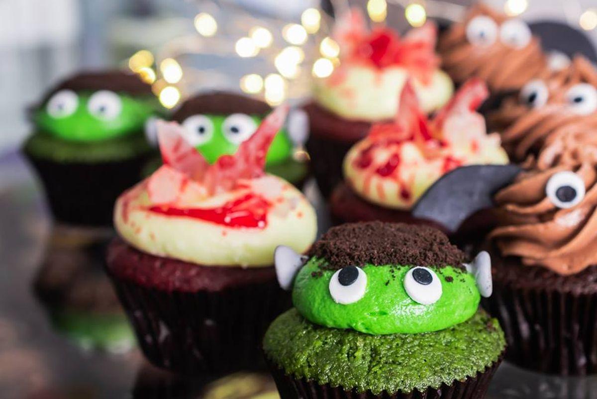 Los cupcakes y dulces siempre serán los preferidos por los niños en Halloween. (Foto: SugarLab)
