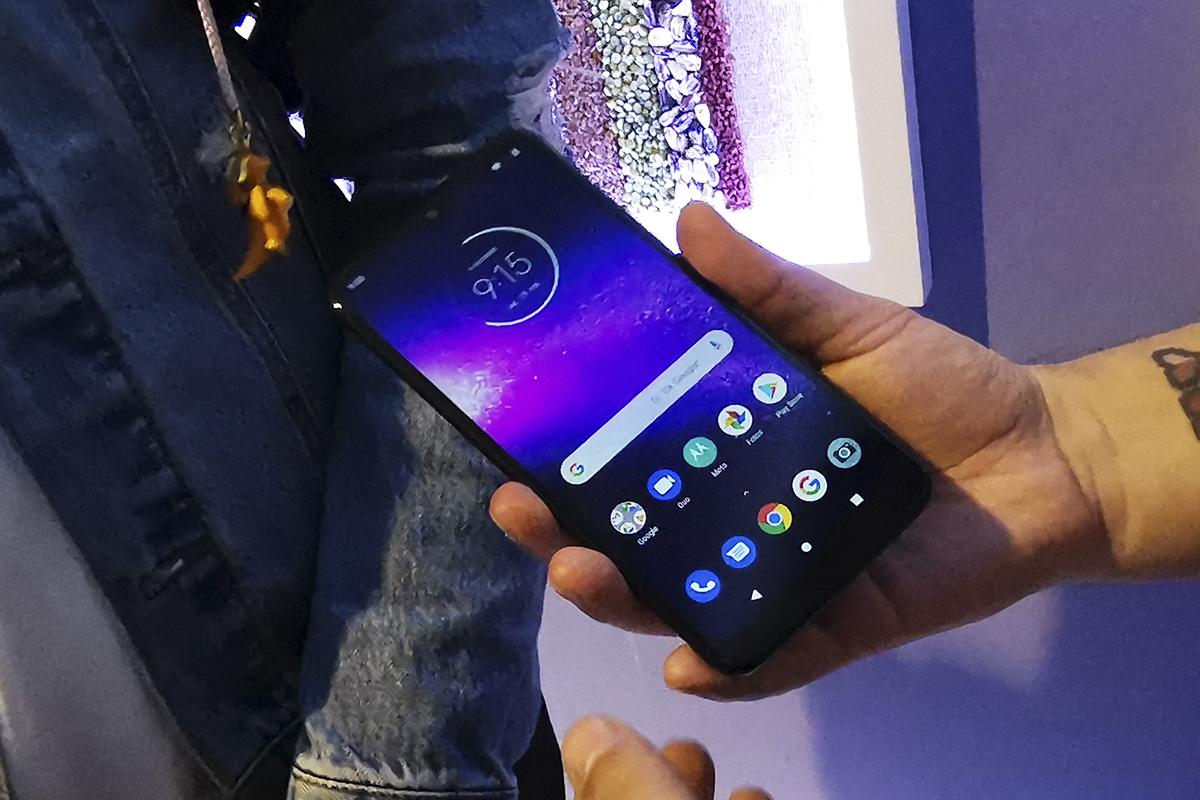 El Motorola One Macro se venderá en Movistar y Entel. (Foto: La Prensa)