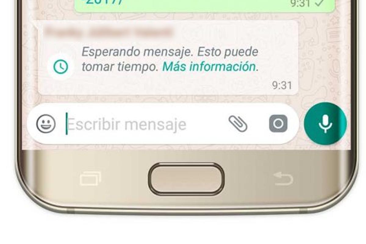 Este mensaje ocurre cuando la otra persona aún no abre WhatsApp para que puedas recuperar tus mensajes. (Foto: WhatsApp)