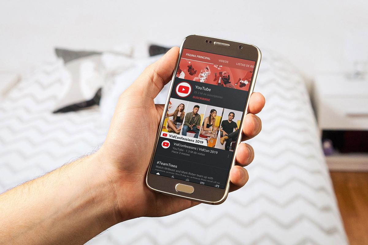 Los videos más vistos por los usuarios de Internet en Perú según lo declarado por ellos, son películas (56%), series en línea (46%), vídeos de corta duración (<3 m) (35%) y tutoriales (50%).