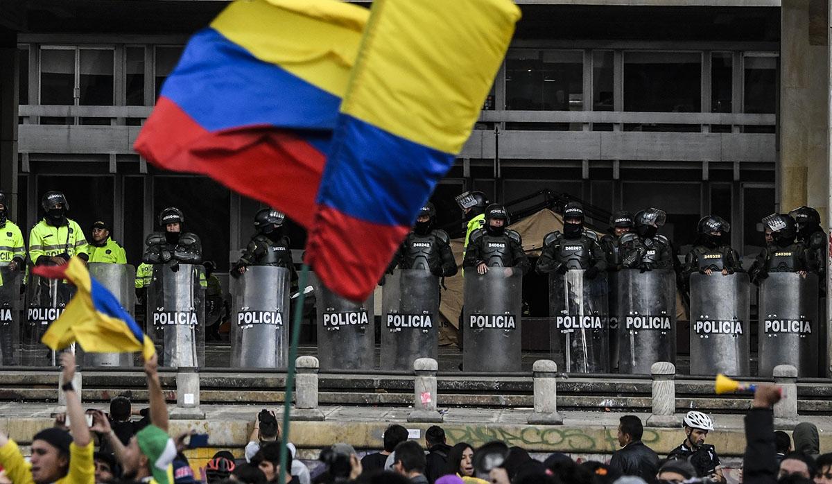 Colombia vivirá desde el miércoles 27 de noviembre nuevas jornadas de protestas, luego de fracasar la mesa de diálogo entre los sindicatos y el Gobierno central. (Foto: AFP)