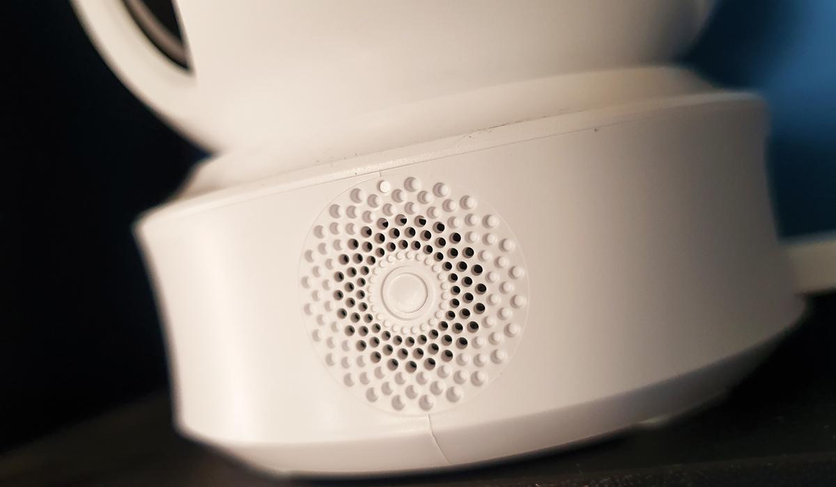 Cuenta con un micrófono bastante grande para que puedas captar cualquier ruído. (Foto: La Prensa)